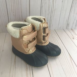 Gap Metallic Sherpa Duck / Rose Gold Boots. NWT